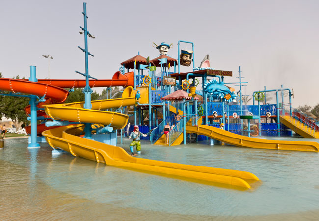 مدينة الألعاب المائية أكوا بارك قطر
