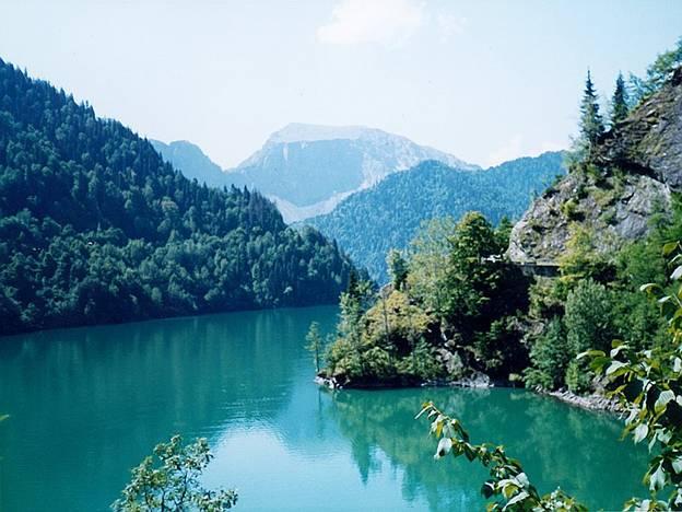 بحيرة ريتسا